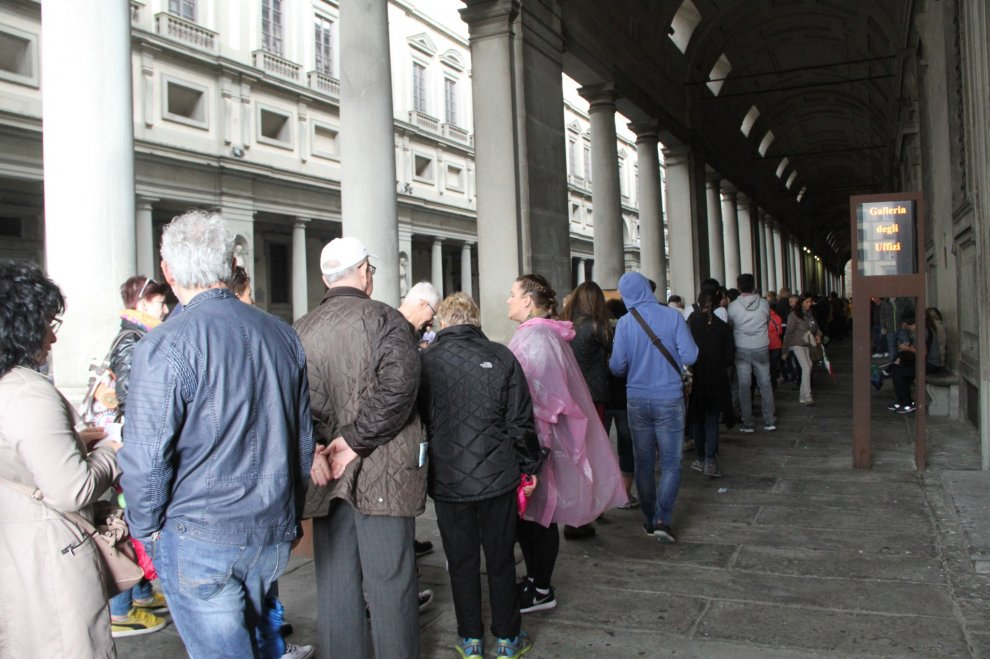 uffizi-long-lines-oct